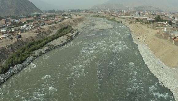 La labor de limpieza en el río Rímac beneficia directamente a más de 120 viviendas y más de 1.200 personas que se encuentran en los alrededores de la zona. (Foto: Municipalidad de Lima)