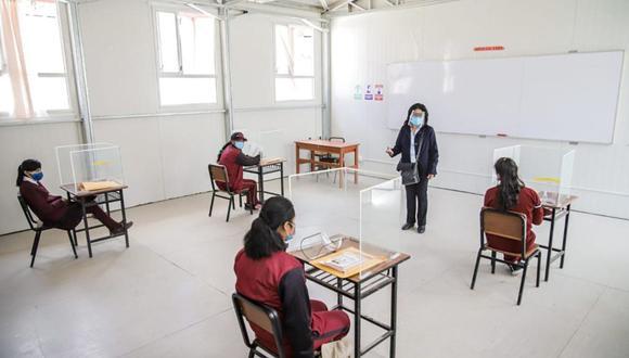 El distanciamiento social será clave para evitar contarios en los colegios que retornen a la semipresencialidad. (Foto archivo GEC)