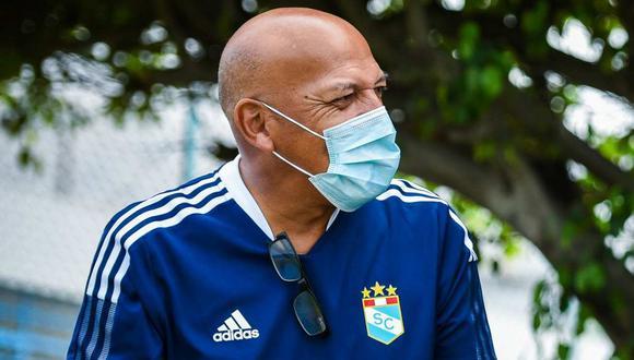 Roberto Mosquera espera el duelo con Alianza Lima y la presencia de Jefferson Farfán. (Foto: Sporting Cristal)