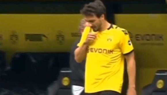Mats Hummels criticado por lanzar fluidos nasales en plena cancha. (Foto: ESPN)