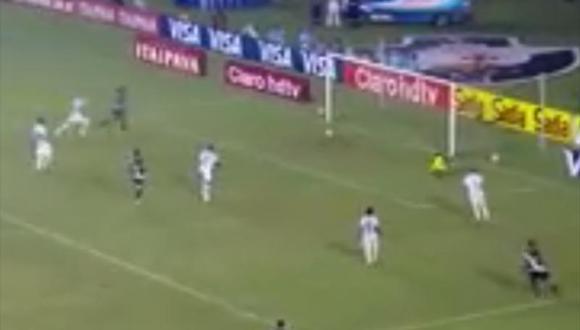 Jugador se falla un gol cuando estaba solo, abajo del arco y sin arquero [VIDEO]