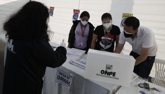 Las entidades del Sistema Electoral exhortaron a la ciudadanía a acudir a votar respetando los protocolos de seguridad. (Foto: El Comercio)