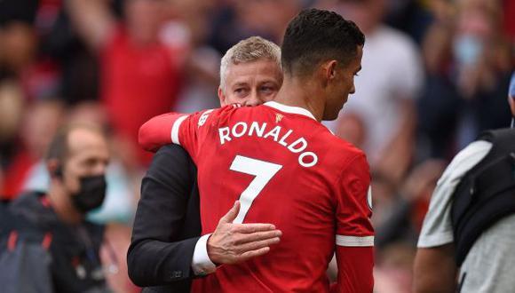 El DT de Manchester United piensa en Cristiano Ronaldo como el salvador. (Foto: AFP)