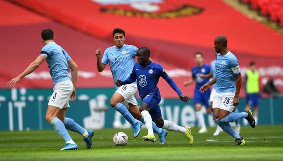 Chelsea y Manchester City darían marcha atrás con la Superliga europea. (Foto: EFE)