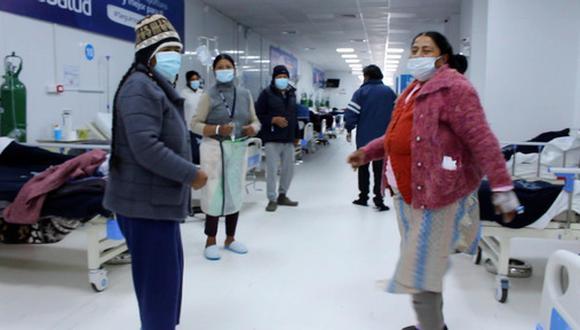 También se practican ejercicios de fisioterapia respiratoria para aprender a toser. (Foto: EsSalud)