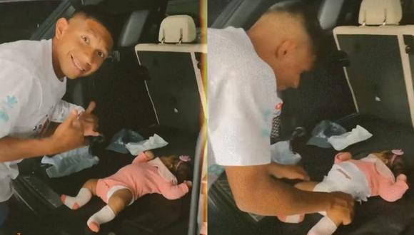 Ana Siucho lo grabaa Edison Flores cambiándole el pañal a su bebé en la maletera de su auto. (Foto: Captura)
