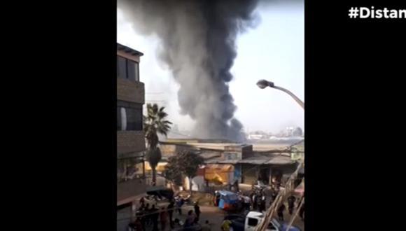 Incendio en la zona de 'La cachina' en SJL. (Foto: captura Canal N)
