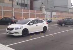 Callao: Sicarios acribillan a un hombre y a dos mujeres dentro de un auto