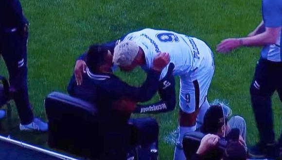 Hay máxima preocupación den Gimnasia luego que el jugador Nicolás Contín, quien abrazó a Diego Maradona en el ultimo partido, diera positivo a coronavirus.