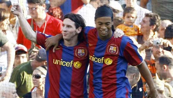Ronaldinho felicitó a Lionel Messi por ganar el Balón de Oro, pero el brasileño no garantiza que el argentino sea el mejor de la historia. (Foto: AFP)