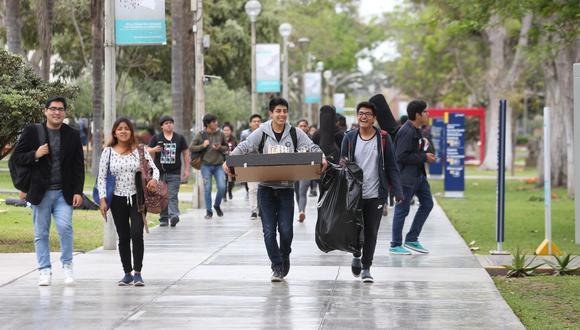 El Congreso aprobó ley que permite el bachillerato automático a universitarios que cursaron estudios en el 2020 y a los que culminan en el 2021. (Imagen referencial/Archivo/GEC)