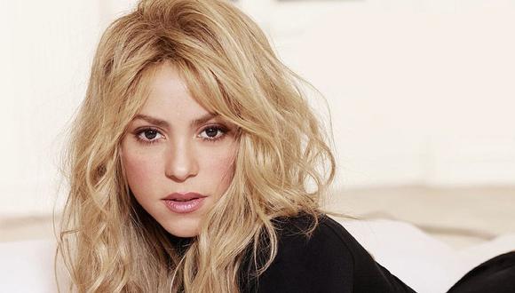 VIRAL | Shakira sufre y lo muestra todo por falda rota en pleno concierto | FOTO