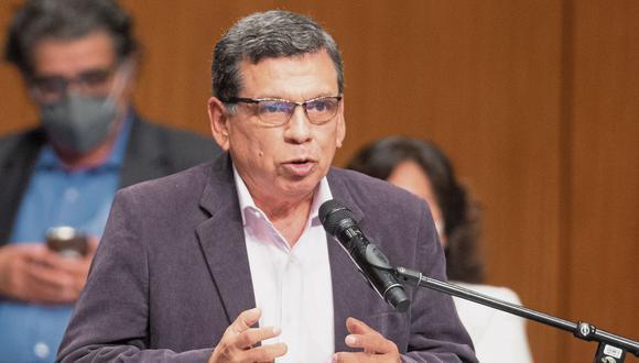 El ministro de Salud, Hernando Cevallos, comentó sobre la vacunación a los profesores de zonas urbanas. (Foto: archivo GEC)