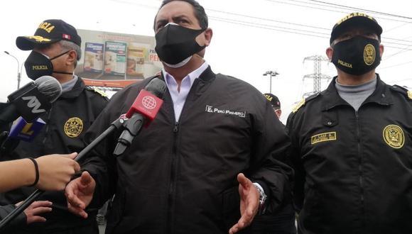 Ministro del Interior, Jorge Montoya, informó que hay dos personas detenidas como dueños del local. (Foto: Andina)