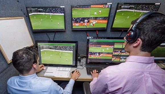 FIFA cambia sorpresivamente a los árbitros del VAR para el Chile-Alemania