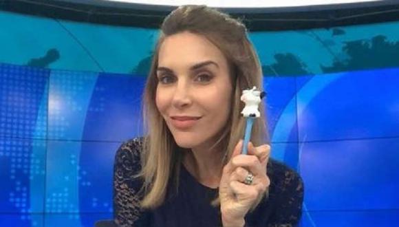 """Juliana Oxenford sorprende cantando de  """"El teléfono"""" de """"Pintura Roja"""" (Foto: Instagram)"""