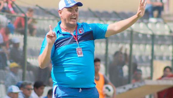 El director técnico puso su cargo a disposición tras los malos resultados del equipo.
