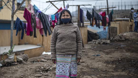 Con el inicio del pago del segundo bono, son muchas las familias que esperan recibir los 760 soles (Foto: AFP)