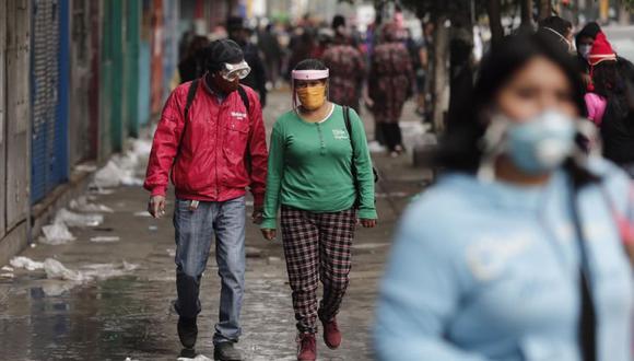 Ambulantes pugnan por trabajar en las calles de La Victoria   GEC   Leandro Britto