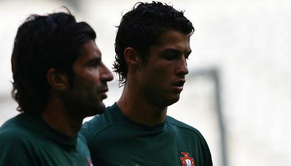Cristiano Ronaldo y Luis figo compartieron vestuario en la selección de Portugal. (Foto: AFP)