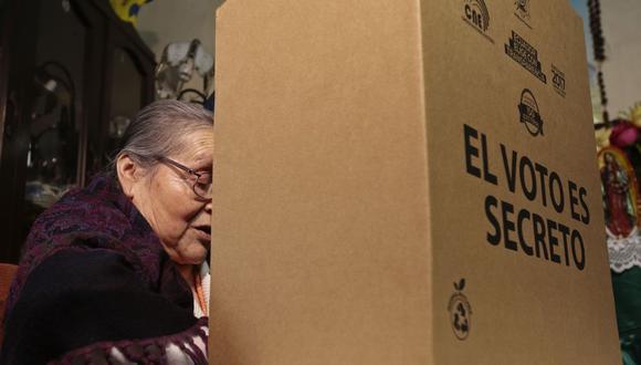 Los ecuatorianos podrán votar hasta las 17:00 horas, luego deberán esperar los resultados de la jornada electoral. (Foto: Juan Cevallos / AFP)