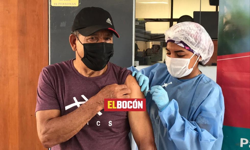 El exfutbolista de Universitario y la selección peruana fue vacunado este sábado contra la COVID 19