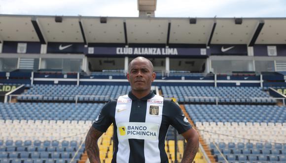 Wilmer Aguirre firmó por Alianza Lima por su cuarto periodo. (Foto: Prensa AL)