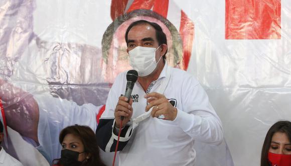 Este domingo 28 de marzo, el IEP (Instituto de Estudios Peruanos) reveló una nueva encuesta en donde pone a Yohny Lescano como líder de las preferencias del electorado