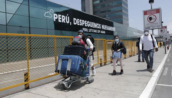 Ejecutivo oficializa suspensión de vuelos procedentes de Reino Unidos, Brasil y Sudáfrica. (Foto: Leandro Britto / GEC)