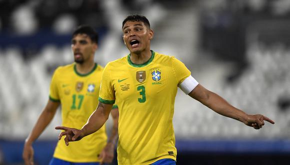 Thiago Silva defendió a Neymar de las críticas. (Foto: AFP)