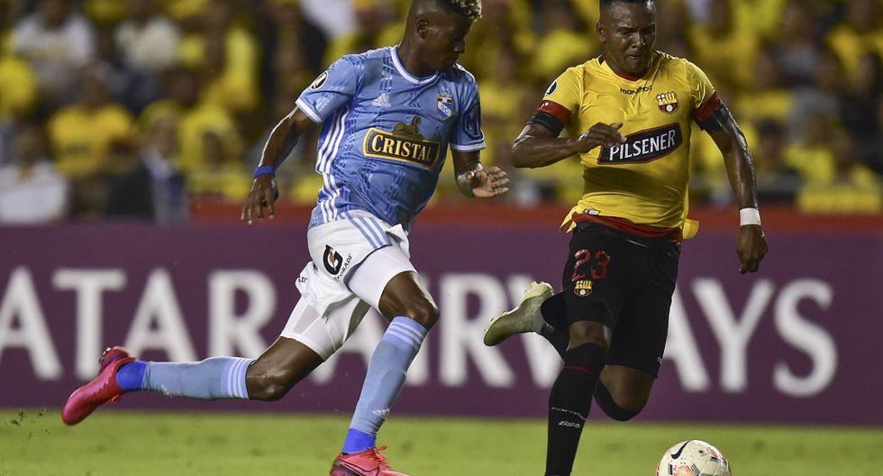 Sporting Cristal y Barcelona pelean su pase a la fase 3 de la Copa Libertadores 2020. (Foto: AFP)