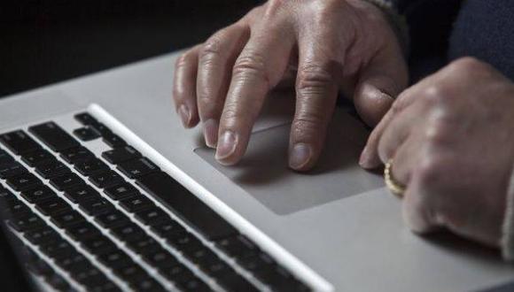 La mujer realizó dos transacciones de una cuenta bancaria mediante sistema informático. (Foto: GEC)