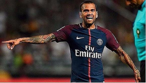 PSG: Dani Alves recibe una durísima falta en el clásico contra el Marsella