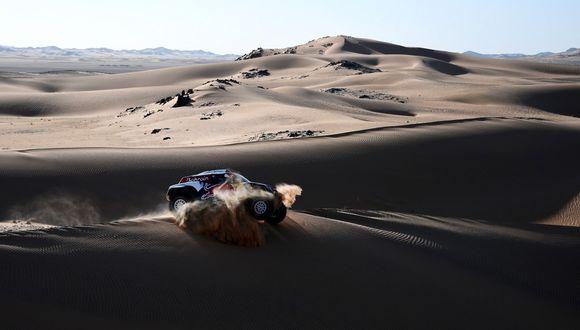 La ventaja de Carlos Sainz como líder del Dakar se redujo a 24 segundos el martes cuando faltan tres etapas. (Foto: AFP)