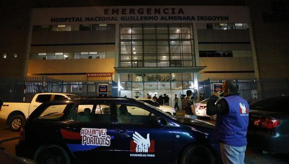 Cuatro heridos de la segunda marcha nacional se encuentran aún en el Hospital Almenara. (Foto: Violeta Ayasta / GEC)
