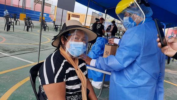 La vacunación a mayores de 40 años se vio interrumpida el último fin de semana en Arequipa por falta de vacunas. (Foto: Geresa Arequipa)