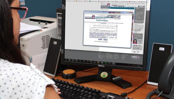 La entidad dispuso que trámite para obtención de certificados de inscripción sea gratuito para los ciudadanos que se encuentren en el padrón de vacunación contra el COVID-19. (Foto: Reniec)
