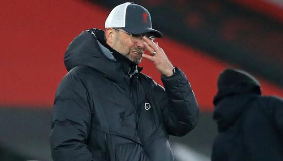 Jürgen Klopp no dudó en hacer autocrítica a su equipo tras caída ante Manchester United. (Foto: AFP)