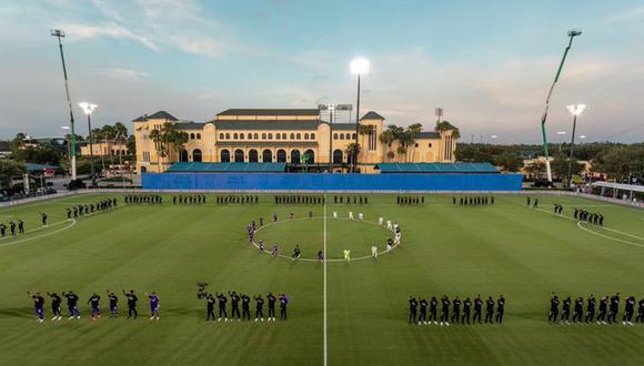 Futbolistas del Inter Miami y el Orlando City, los equipos que juegan el choque inaugural, y de otras franquicias de la MLS saltaron al césped portando mascarillas y camisetas alusivas a la campaña. (Foto: MLS)