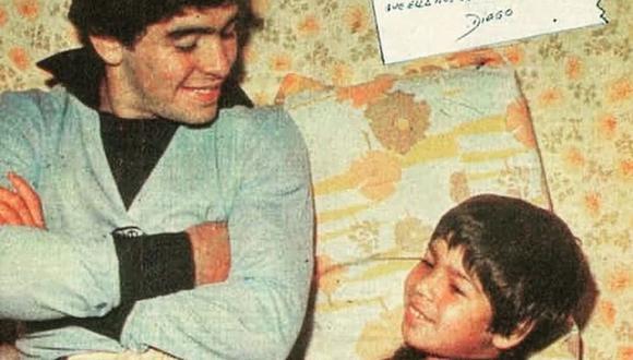 Diego Maradona y el recuerdo de su hermano Raúl tras su fallecimiento. (Foto: Twitter)