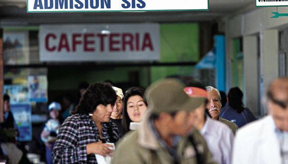 Los afiliados podrán atenderse en cualquier establecimiento médico del país gracias a la cobertura del SIS. (Foto: Heiner Aparicio)