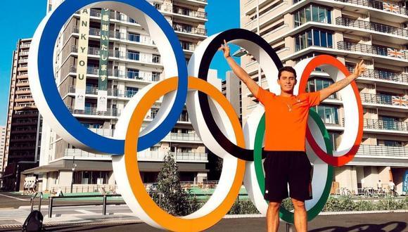 Lucca Mesinas  fue el encargado de llevar la bandera en la delegación peruana  en los Juegos Olímpicos Tokio 2020. (Foto: Instagram @luccamesinas)