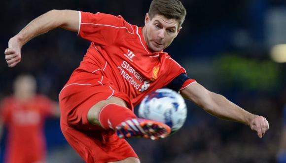 Steven Gerrard llegó a los 500 partidos con el Liverpool en Premier League