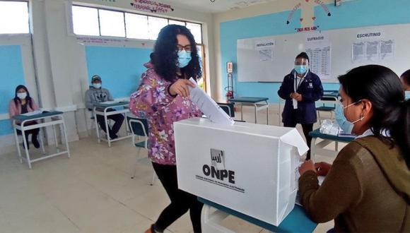Más de 293 miembros de mesa han sido capacitados para las Elecciones Generales de este domingo 11 de abril. Foto: ONPE