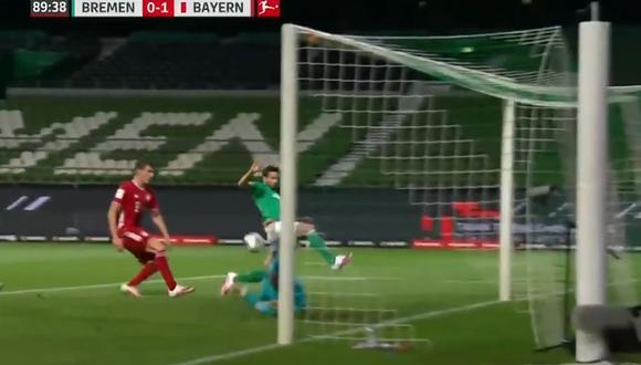 Manuel Neuer le quitó el gol a Claudio Pizarro. (Foto: captura)