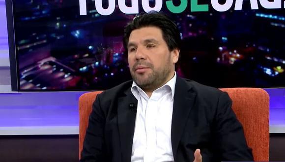 El periodista de investigación Carlos Paredes fue quien reveló que el expresidente Martín Vizcarra recibió las dosis de la vacuna de Sinopharm. (Captura: RPP)