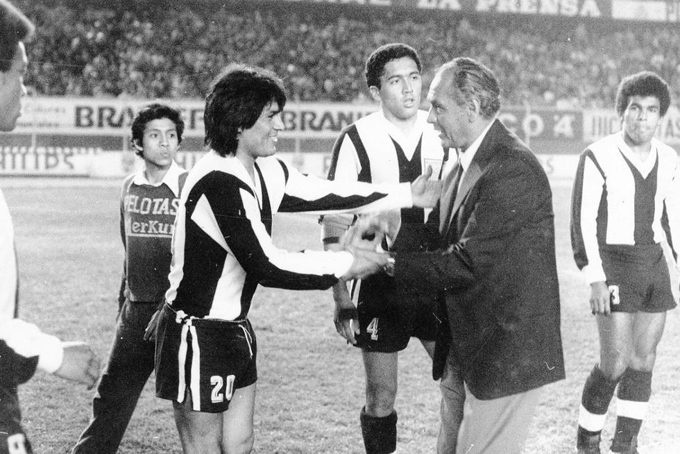 Hugo Sotil integró el equipo que logró el bicampeonato los años 1977 y 1978. Luego tuvo una destacada participación en la Copa Libertadores de 1978 llevando al equipo intimo hasta las semifinales y anotando 5 goles en 9 partidos. (Foto: GEC Archivo Histórico)