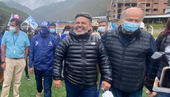 Andrés Hurtado ha acompañado en varios viajes al interior del país a Hernando de Soto. (Facebook)