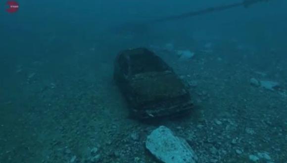 Encuentran Volkswagen Golf al fondo del mar y se lo envían a su dueño.