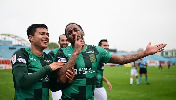 """El periodista aseguró que el fútbol peruano vio """"otro milagro de Jefferson Farfán""""."""